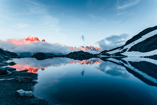 Symmetry「Lac Blanc and french Alps, Chamonix-mont-blanc, France」:スマホ壁紙(16)