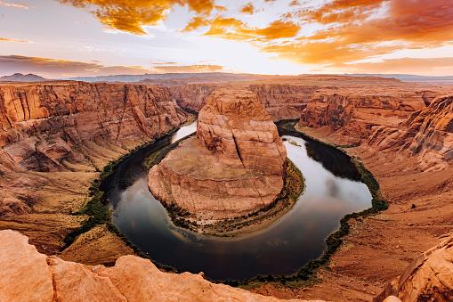 Sedona「Horseshoe Bend During Sunset - Colorado River, Arizona」:スマホ壁紙(8)