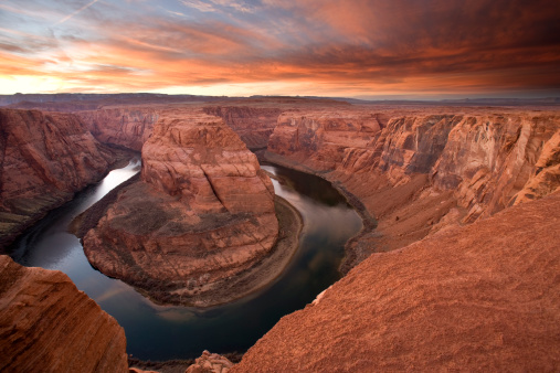 Eroded「Horseshoe Bend sunset on the Colorado River, Arizona, USA.」:スマホ壁紙(15)