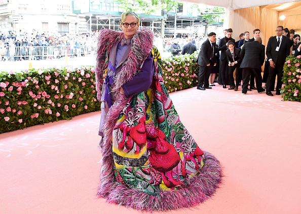 Multi Colored Coat「The 2019 Met Gala Celebrating Camp: Notes on Fashion - Arrivals」:写真・画像(19)[壁紙.com]