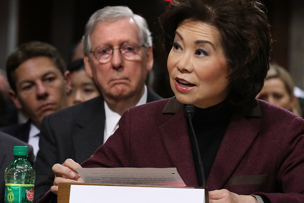 Elaine Chao「Senate Committee Holds Confirmation Hearing For Trump's Pick To Be Transportation Secretary Elaine Chao」:写真・画像(4)[壁紙.com]
