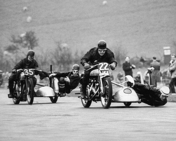 オートバイ競技「Brands Hatch」:写真・画像(1)[壁紙.com]