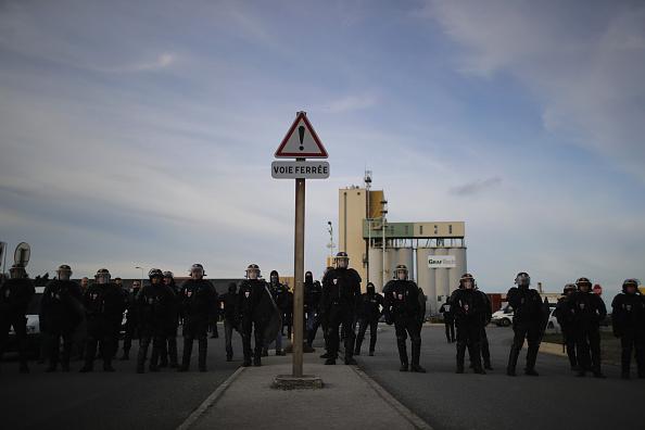 Calais「Large Scale Demolition Of The Calais Migrant Camp Begins」:写真・画像(6)[壁紙.com]