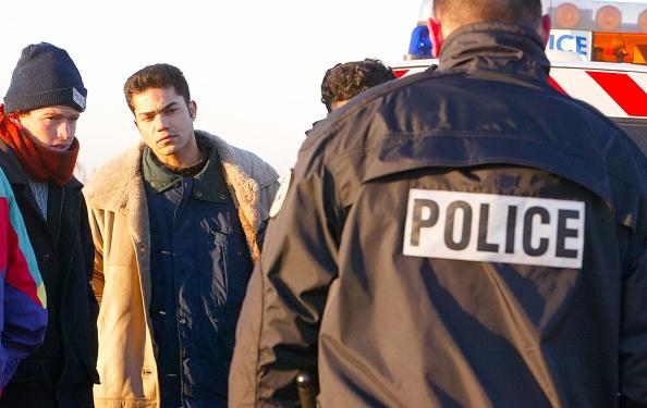 France「Refugees Arrested In Calais Hoping To Go To UK」:写真・画像(5)[壁紙.com]