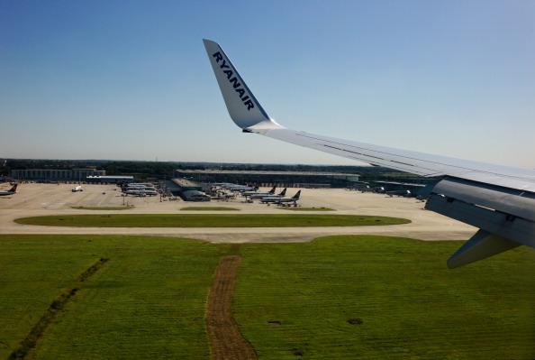 Tom Stoddart Archive「Ryanair Plane」:写真・画像(13)[壁紙.com]