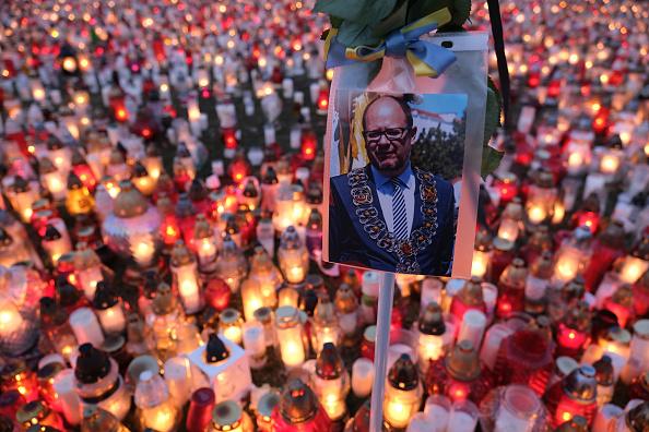 Lighting Equipment「Gdansk Mourns Murdered Mayor Pawel Adamowicz」:写真・画像(13)[壁紙.com]