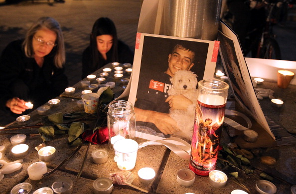 Scott Olson「Occupy Oakland Holds Vigil For Protesting Vet Critically Injured By Police」:写真・画像(10)[壁紙.com]