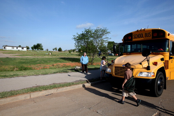 School Bus「Moore, Oklahoma To Commemorate One-Year Anniversary Of Devastating Tornado」:写真・画像(11)[壁紙.com]
