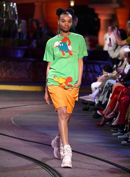 ミッキーマウス「Disney kicks off 'Mickey the True Original' campaign in celebration of Mickey's 90th anniversary with a fashion show at Disneyland featuring a Mickey-inspired collection by Opening Ceremony」:写真・画像(1)[壁紙.com]
