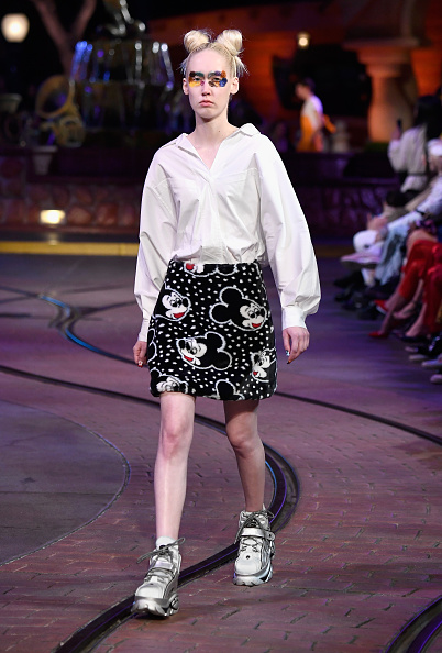 Mickey Mouse「Disney kicks off 'Mickey the True Original' campaign in celebration of Mickey's 90th anniversary with a fashion show at Disneyland featuring a Mickey-inspired collection by Opening Ceremony」:写真・画像(14)[壁紙.com]