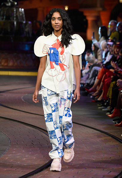 Mickey Mouse「Disney kicks off 'Mickey the True Original' campaign in celebration of Mickey's 90th anniversary with a fashion show at Disneyland featuring a Mickey-inspired collection by Opening Ceremony」:写真・画像(16)[壁紙.com]
