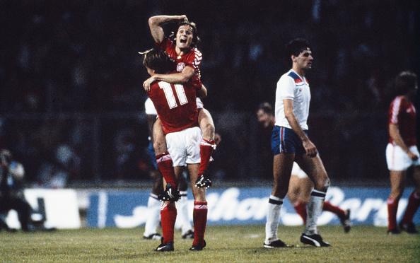 England「Allan Simonsen England v Denamrk 1983」:写真・画像(12)[壁紙.com]