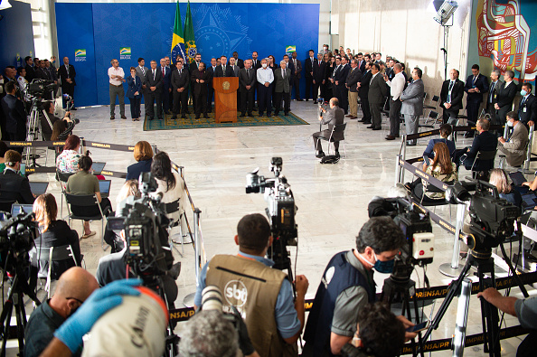 Press Room「President of Brazil Jair Bolsonaro Gives a Press Conference After the Resignation of Minister of Justice Sergio Moro」:写真・画像(0)[壁紙.com]