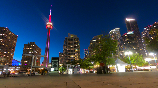 Toronto「Downtown Toronto New Condominiums and CN Tower」:スマホ壁紙(11)