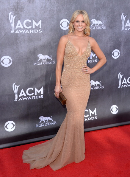 Clutch Bag「49th Annual Academy Of Country Music Awards - Arrivals」:写真・画像(12)[壁紙.com]