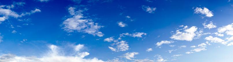 澄んだ空「青い空に雲(100 メガピクセル)高解像度の XXXL」:スマホ壁紙(16)