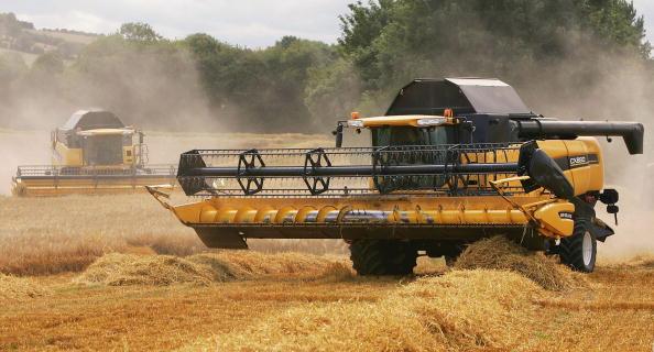Combine Harvester「Agriculture Dominates Debate Over EU Funding」:写真・画像(16)[壁紙.com]