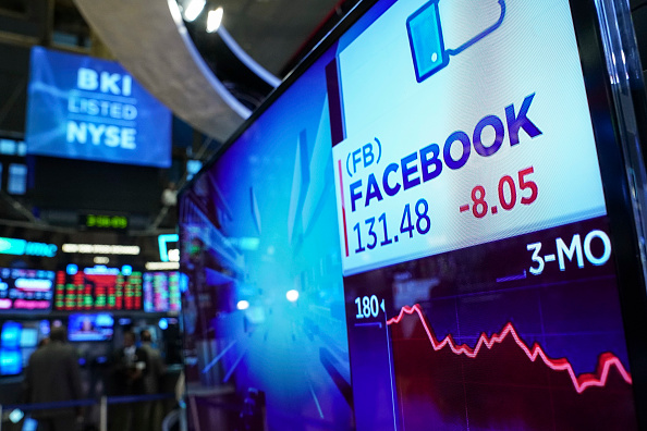 Stock Market and Exchange「Tech Stocks Drag Stocks Down Sharply」:写真・画像(16)[壁紙.com]