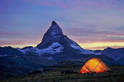 Pennine Alps「Dusk Tent Matterhorn Scene」:スマホ壁紙(19)
