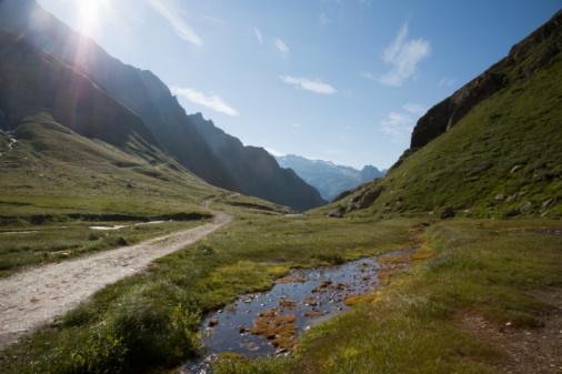 Piedmont - Italy「Rising sun over alpine creek」:スマホ壁紙(8)