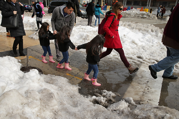2016 Winter Storm Jonas「Washington, D.C. Area Continues To Dig Out From Historic Snow Storm」:写真・画像(0)[壁紙.com]
