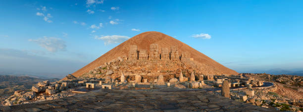 Nemrud dagh. Mount Nemrut, Adiyaman - Turkey:スマホ壁紙(壁紙.com)
