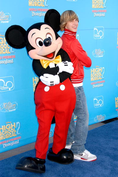 Mickey Mouse「World Premiere Of Disney Channel's 'High School Musical 2'」:写真・画像(15)[壁紙.com]