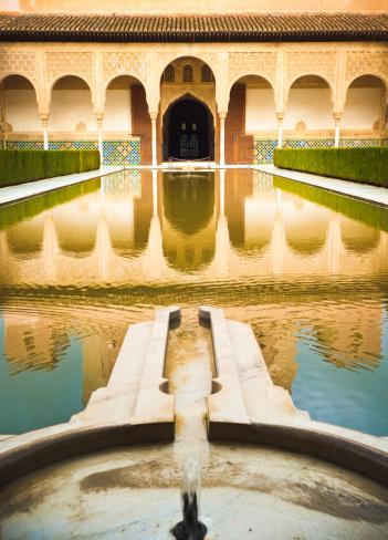 Cloister「Yard in Nasrid Palace」:スマホ壁紙(14)
