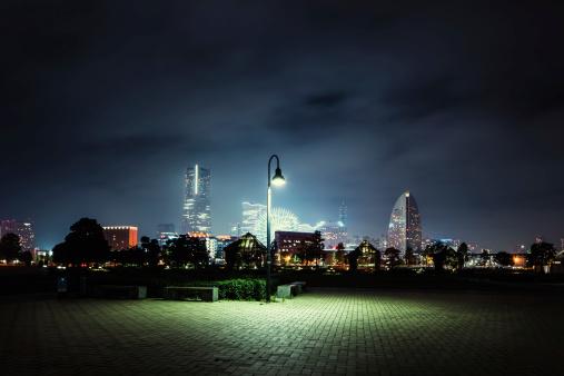 Urban Skyline「Lonely Lantern」:スマホ壁紙(17)