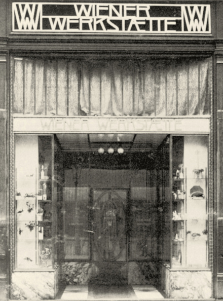 Wiener Werkstaette Style「Portal of the premises of the Wiener Werkstaette in Vienna. Inner City, Graben 15. Photograph. Around 1907.」:写真・画像(0)[壁紙.com]