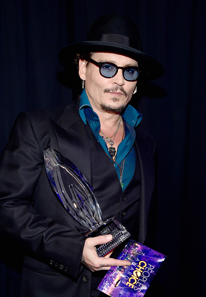 Waist Up「People's Choice Awards 2016 - Backstage And Audience」:写真・画像(19)[壁紙.com]