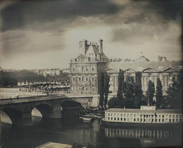 Seine River「The Pavillon De Flore And The Tuileries Gardens」:写真・画像(5)[壁紙.com]
