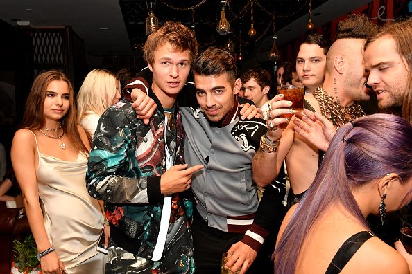 Ciroc「Republic Records & Guess Celebrate the 2016 MTV Video Music Awards at Vandal with Cocktails by Ciroc - Inside」:写真・画像(13)[壁紙.com]