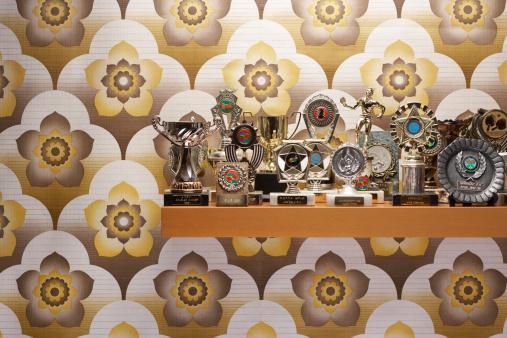 Floral Pattern「Trophies on a shelf」:スマホ壁紙(18)