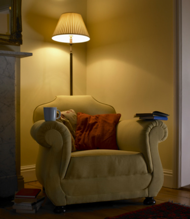 Vertical「Arm chair in living room」:スマホ壁紙(19)