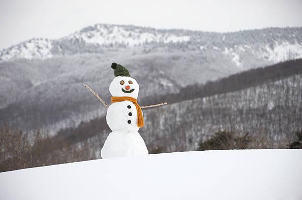 Snowman in snow:スマホ壁紙(壁紙.com)