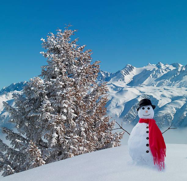 Snowman in snowy mountains.:スマホ壁紙(壁紙.com)