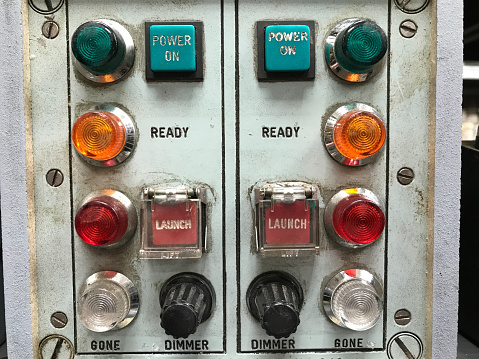 1960-1969「Retro launch panel with multi-coloured lights, launch buttons and dials.」:スマホ壁紙(16)