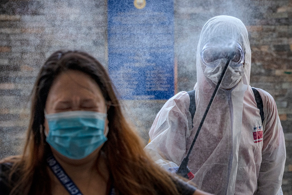 Entering「Northern Philippines Under Lockdown As The Coronavirus Continue To Spread」:写真・画像(15)[壁紙.com]