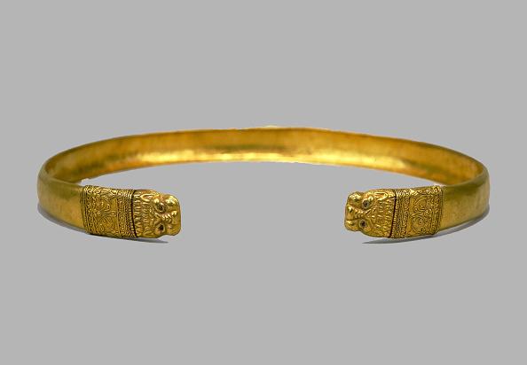 Necklace「Necklace, 4th century BC. Artist: Scythian Art」:写真・画像(11)[壁紙.com]