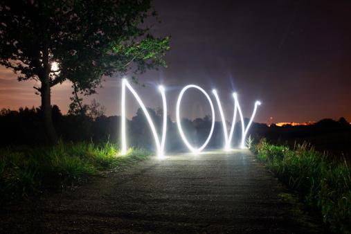 Urgency「'Now' written in light」:スマホ壁紙(5)