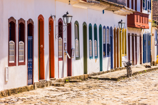 Rio「Typical street with colourful doors」:スマホ壁紙(19)