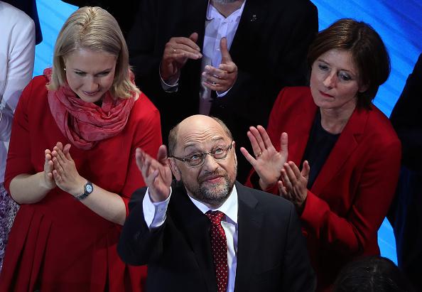 Wave「Election Night: Social Democrats (SPD)」:写真・画像(2)[壁紙.com]
