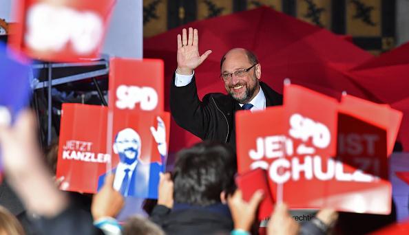 Wave「Martin Schulz Campaigns In Munich」:写真・画像(16)[壁紙.com]