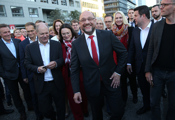 Arrival「Schulz Holds Election Rally In Berlin」:写真・画像(14)[壁紙.com]