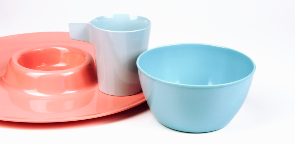 Bowl「Toddler's blue and pink plastic cup, saucer and bowl」:スマホ壁紙(3)