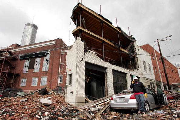 Atlanta - Georgia「Tornado Sweeps Through Atlanta」:写真・画像(18)[壁紙.com]
