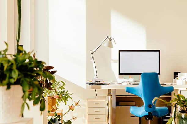 Home office in an apartment:スマホ壁紙(壁紙.com)