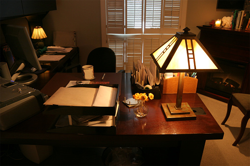 Desk Lamp「Home Office Desk and Fireplace. No One In Room.」:スマホ壁紙(9)