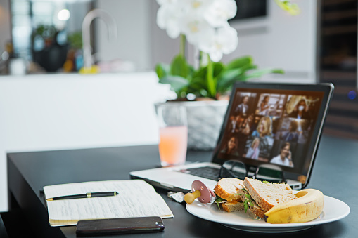 Real Life「Home Office Set Up for Webinar and Teleconference」:スマホ壁紙(5)
